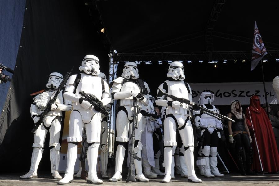 starForce_2013-gwiezdne_wojny-zjazd_fanow_star_wars-zajecia_artystyczne_dla_dzieci-wydarzenia_kulturalne_dla_dziec.jpg